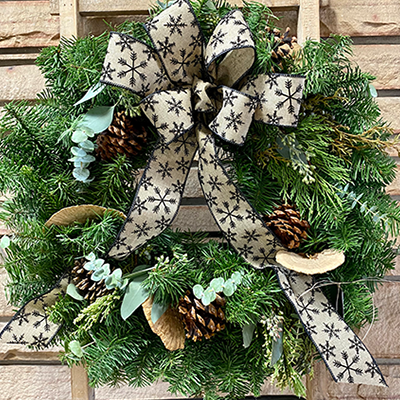 Deluxe Fresh Holiday Wreath